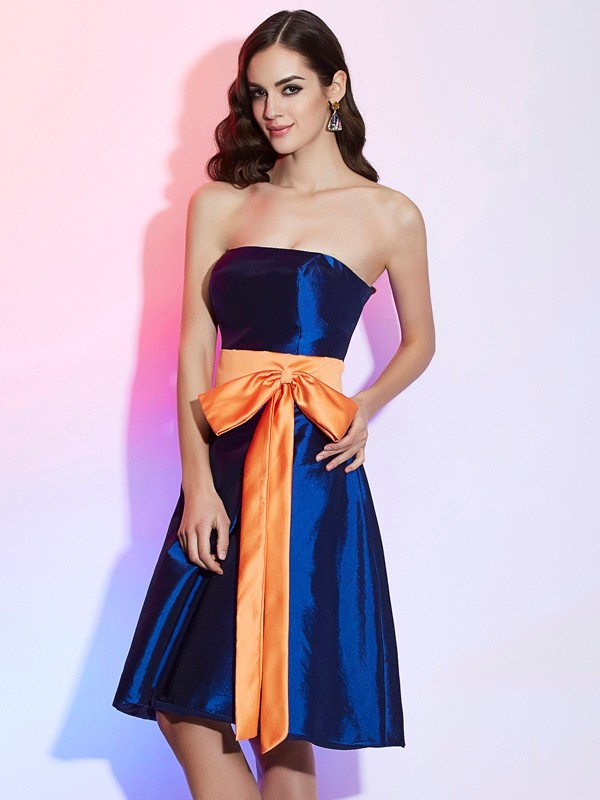 A-Line/Princess Strapless Sleeveless Sash/Ribbon/Belt Short Taffeta Bridesmaid Dresses