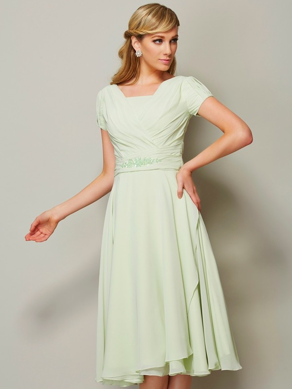 Sheath/Column Bateau Short Sleeves Ruffles Short Chiffon Bridesmaid Dresses