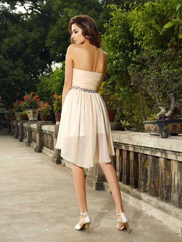 A-Line/Princess Sweetheart Beading Sleeveless Short Chiffon Cocktail Dresses