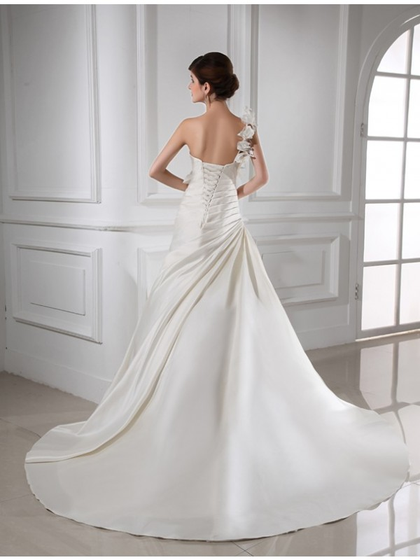A-Line/Princess One-shoulder Hand-made Flower Sleeveless Satin Wedding Dresses